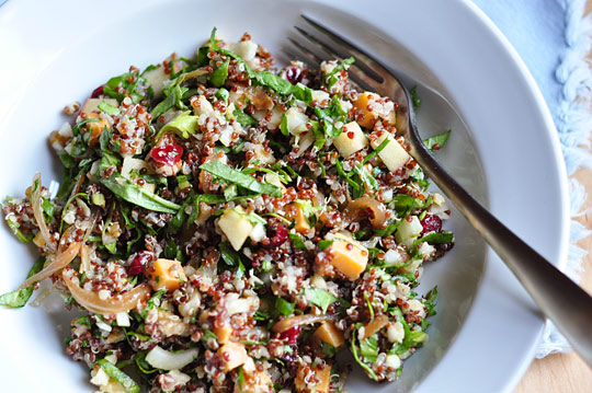 Quinoa salad with walnut