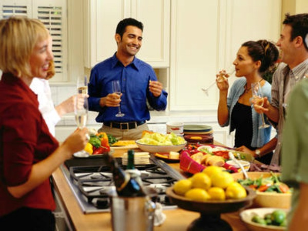 Hosting Dinner Party tips on how to host a delightful dinner party